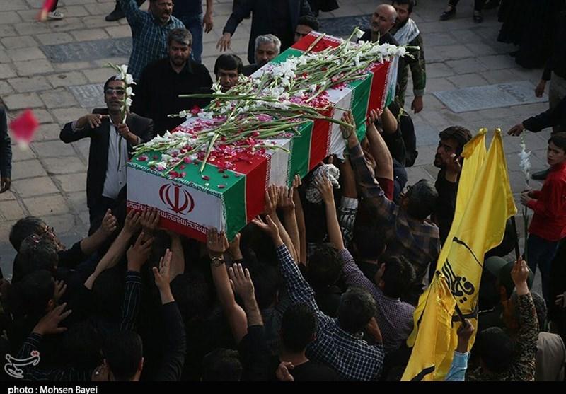 کاشان| تشییع شهید مدافع حرم مهدی دهقان در کاشان به روایت تصویر