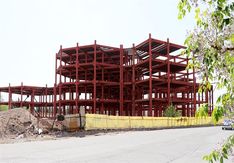 کرمان| بلاتکلیفی ساختمانی نیمهکاره با 35 سال قدمت در کرمان + فیلم