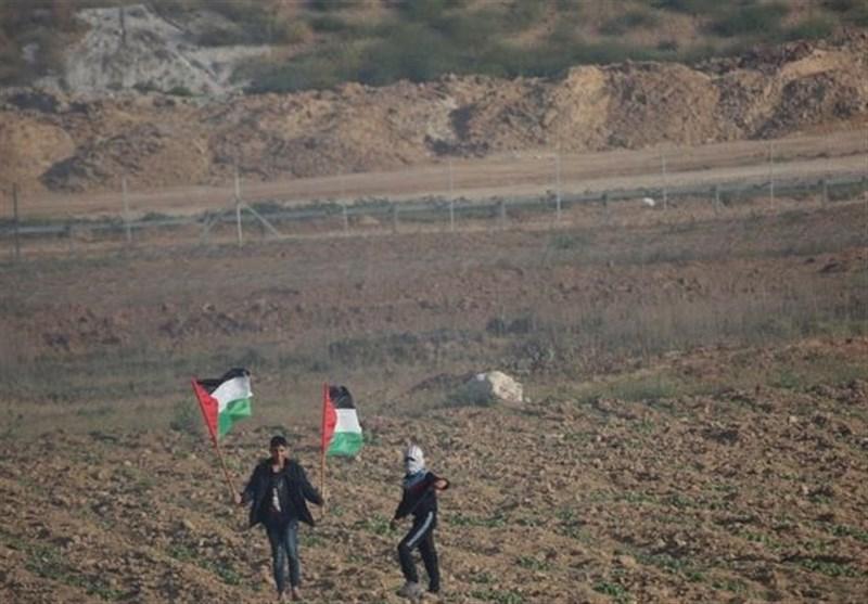 Israel Kills 2 Palestinians as Gaza Protests Go On