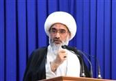 امام جمعه بوشهر: مسئولان خدمات به مردم، انقلاب و اسلام را سرلوحه کار خود قرار دهند