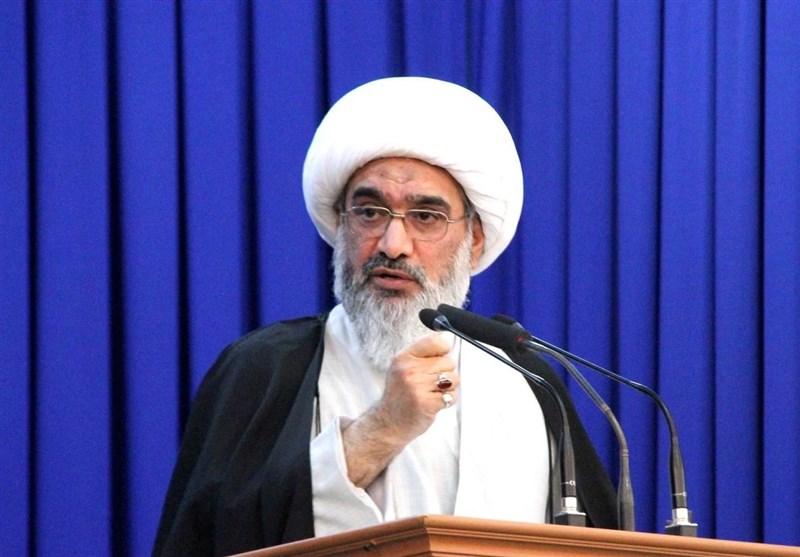 امام جمعه بوشهر: بانکها در مسیرحل مشکل تولید و کمک به تولیدکنندگان نیستند