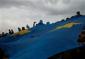 حاشیه دیدار استقلال - تراکتورسازی| تشویق ایسلندی با حضور شفر و بازیکنان/ کامرانیفر را به زمین راه نمیدادند