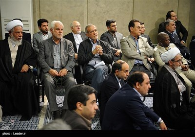 Iranian Officials, Muslim Diplomats Meet Leader in Tehran