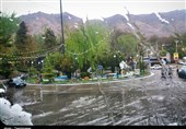 وزش تندباد و احتمال ریزش تگرگ در تهران و 12 استان