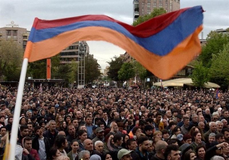 دامنه اعتراضات مخالفان ارمنستان به مسکو هم رسید