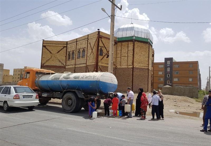 زاهدان| توزیع 2 میلیون لیتر آب رایگان در زاهدان؛ بحران آب چگونه برطرف شد؟