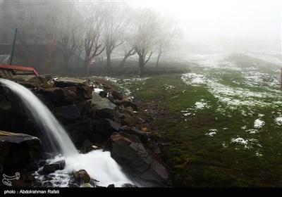 بارش برف و مه گرفتگی در ارتفاعات همدان