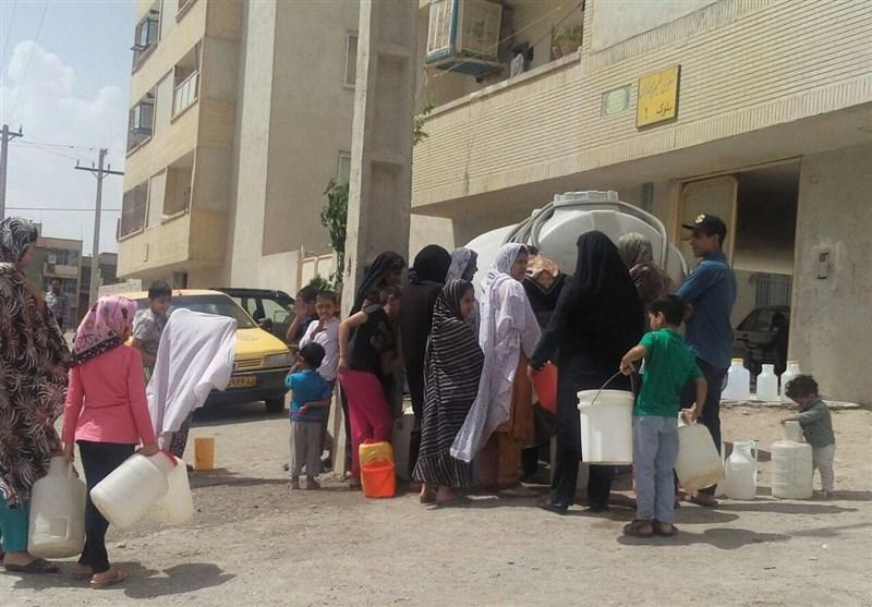 60 تیم تا پایان تنش آبی به شهروندان زاهدانی آبرسانی میکنند