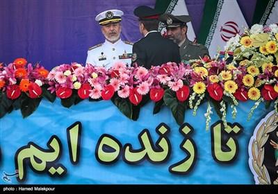 امیر حبیبالله سیاری معاون هماهنگ کننده ارتش در مراسم رژه روز ارتش