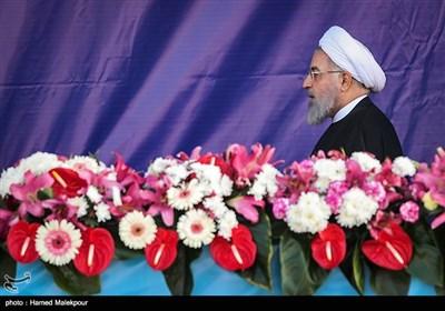 ورود حجتالاسلام حسن روحانی رئیس جمهور به مراسم رژه روز ارتش