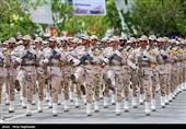 رژه نیروهای مسلح در استان لرستان برگزار شد