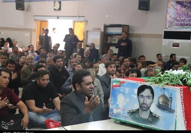کاشان| پیام شهیدان این است که مقام معظم رهبری را تنها نگذارید