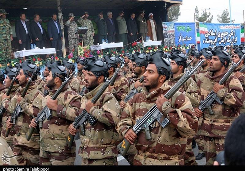 مراسم رژه نیروهای مسلح در استان کرمان آغاز شد
