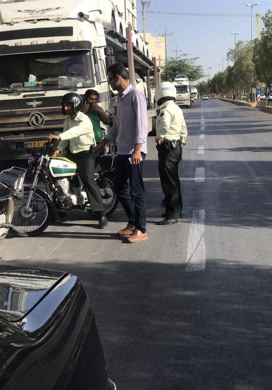 معمای قاچاق لاکچری(3)/توقف محموله خودروهای وارداتی گمرک بوشهر توسط پلیس +عکس و فیلم