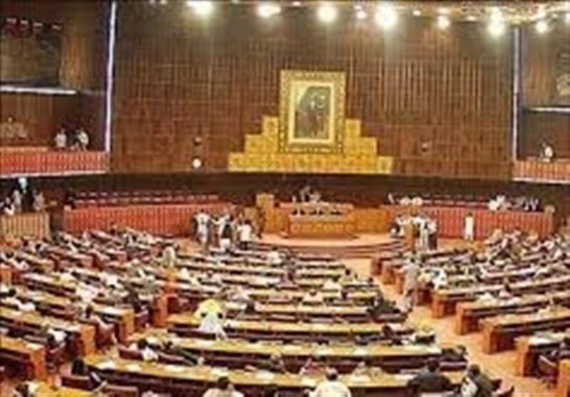 15 ویں قومی اسمبلی کا پہلا اجلاس، ارکان نے حلف اٹھالیا