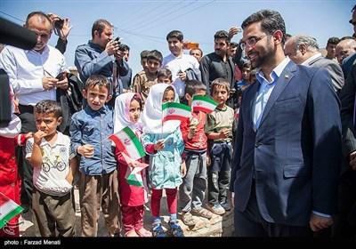 بازدید محمدجواد آذری جهرمی وزیر ارتباطات و فناوری از مناطق زلزله زده کرمانشاه