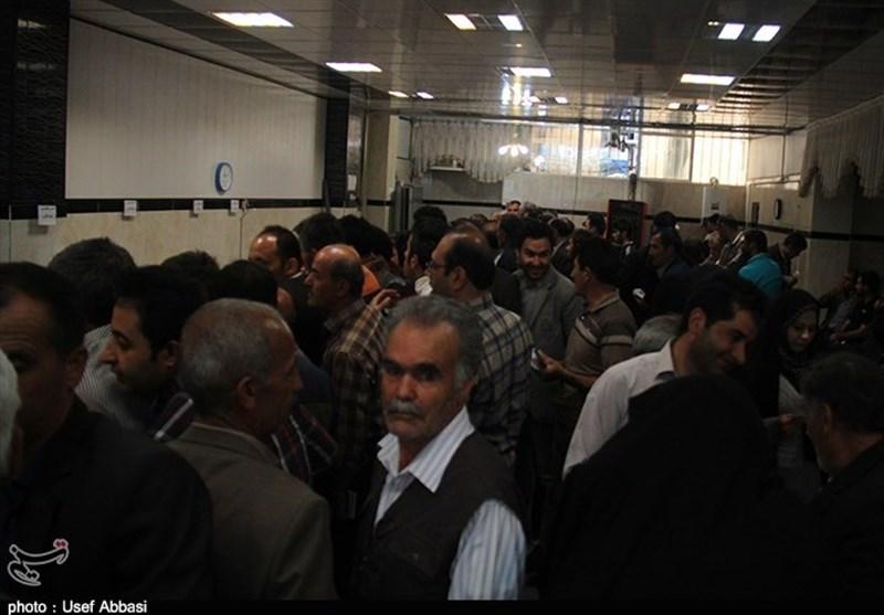 کرمان| نارضایتی مردم جیرفت از خدماتدهی نامطلوب تامین اجتماعی