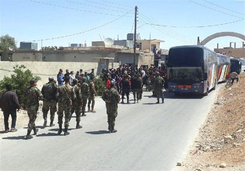 خروج حافلات تقل إرهابیین من الرحیبة بالقلمون إلى الشمال السوری