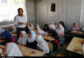 زاهدان| توزیع 500 وعده غذای گرم در مدارس حاشیه شهر زاهدان+تصویر