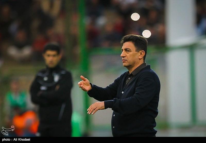 قلعهنویی: در فاصله دو هفته به بازی با استقلال برخیها حرفهای چیپ میزنند/ هیچ باشگاهی با من تماس نگرفته است