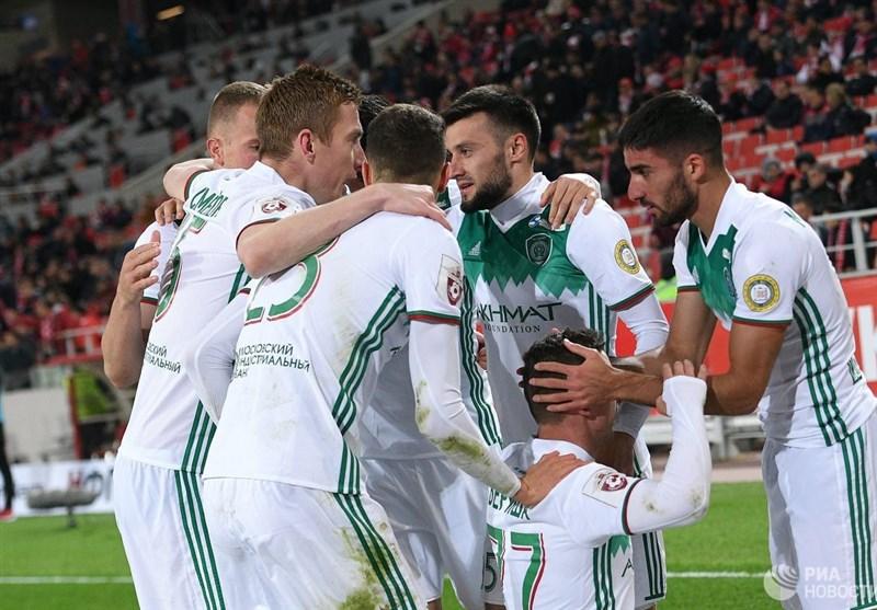 تبریک ویژه بازیکنان احمد گروژنی به میلاد محمدی در اتریش