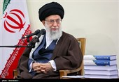 Ayatollah Khamenei: Philosophy Essential in Seminary Curriculum