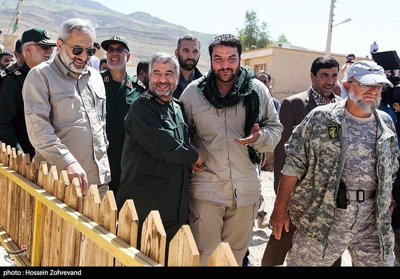 پنجمین بازدید فرمانده سپاه از مناطق زلزلهزده کرمانشاه + عکس
