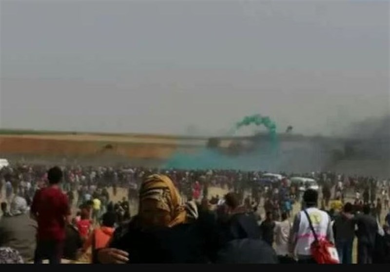 تحولات فلسطین|حضور پرشور فلسطینیها در «جمعه جوانان انقلابی»؛ ۳ شهید و ۸۰۰ زخمی در حمله اشغالگران+تصاویر