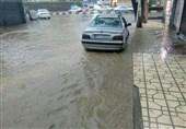 کرمانشاه| بارش تگرگ در روانسر سبب خسارت به 16 خودرو شد