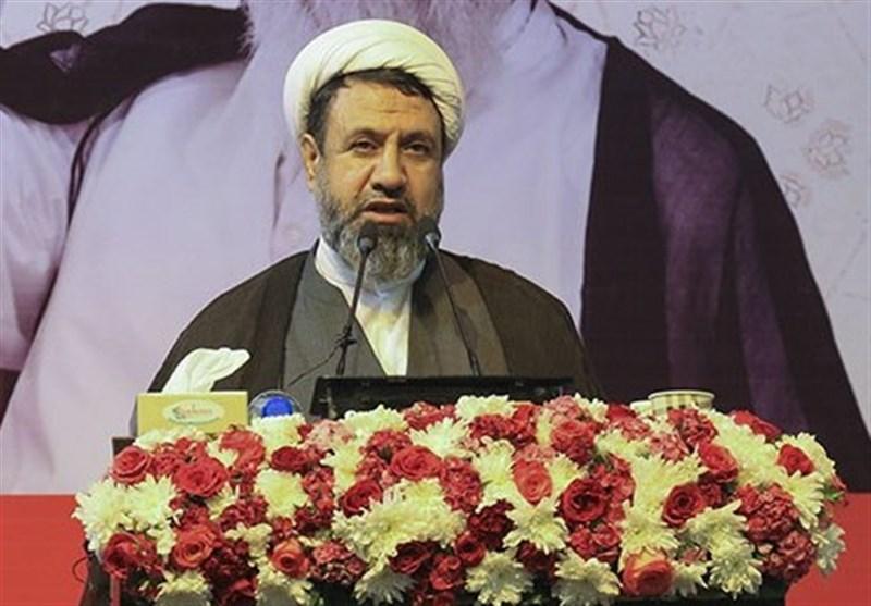 امام جمعه کرمان: دشمن نتوانست مانع صدور انقلاب ایران به دنیا شود