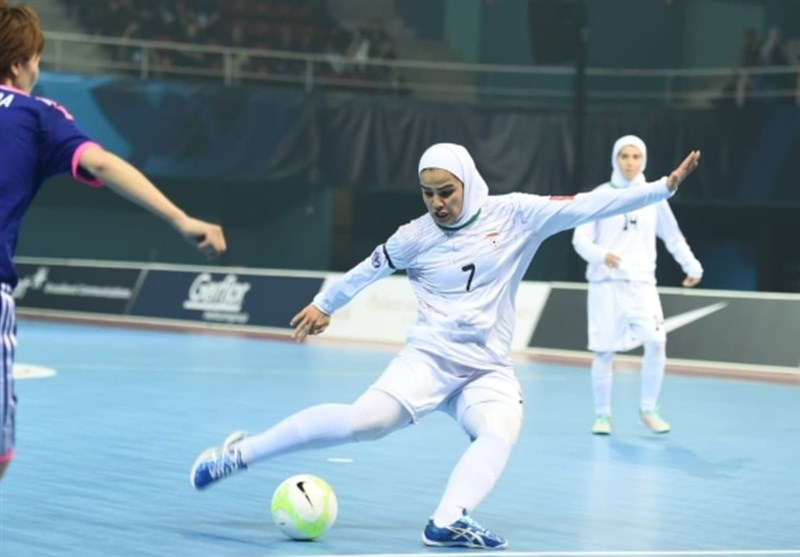 Fereshteh Karimi Joins Qadsia Futsal Team