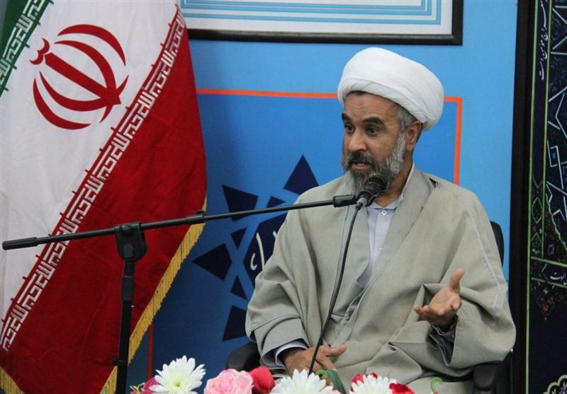 امام جمعه موقت بیرجند: دشمن تلاش دارد با ایجاد یاس مردم را از انقلاب نا امید کند