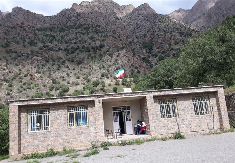 ایلام| خلاقیت یک معلم عاشق در مدرسه روستای قجر ایلام + تصاویر