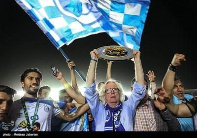 دیدار تیم های فوتبال استقلال و خونه به خونه