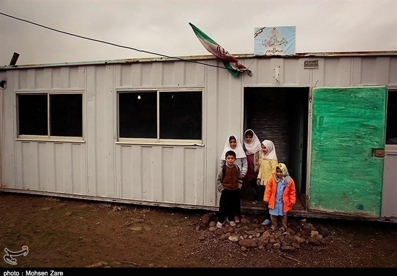اتمام 200 کانکس ثابت توسط گروههای جهادی خراسان جنوبی در روستای زلزله زده شیخ صله