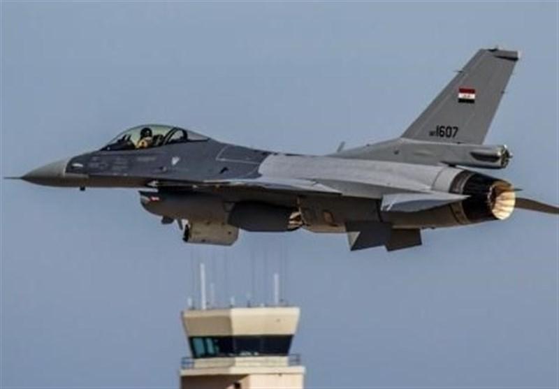 حملات هوایی ارتش عراق به مواضع داعش در سوریه
