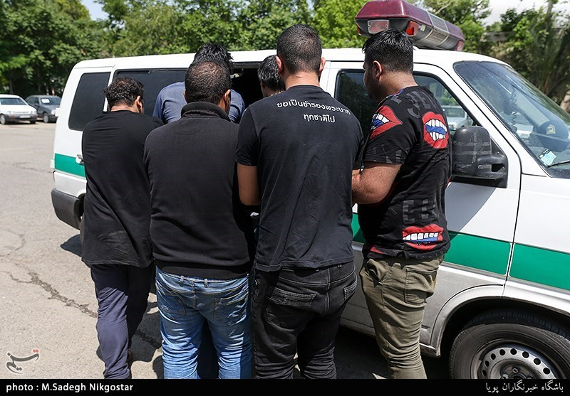 """دستگیری اعضای باند """"خرید و فروش نوزادان"""" در مشهد؛ اعتراف متهمان به فروش ۶ نوزاد"""