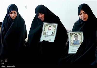 دیدارخانوادههای دو شهید نیروی انتظامی با رهبرمعظم انقلاب