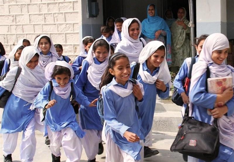 پنجاب کے مختلف اسکولوں میں ایس او پیز پر عمل درآمد نہ ہونے سے متعدد بچے کرونا وائرس کا شکار