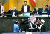 Iranian MPs Set Fire to JCPOA After US Exit (+Video)