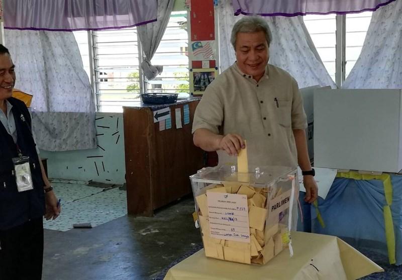 مردم مالزی پای صندوقهای رای رفتند+تصاویر