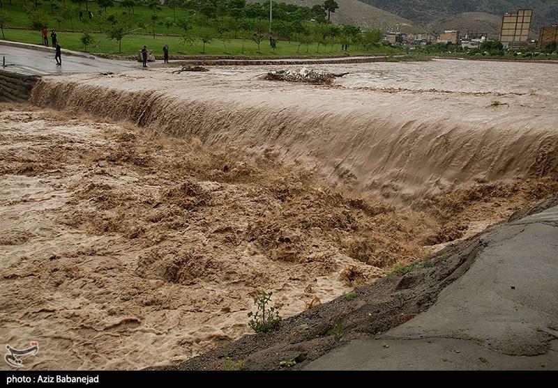 خرم رود طغیان کرد؛ وضعیت بحرانی در خرمآباد و پلدختر