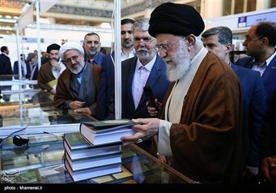 تہران؛ امام خامنہ ای کا بین الاقوامی کتاب میلہ کا دورہ