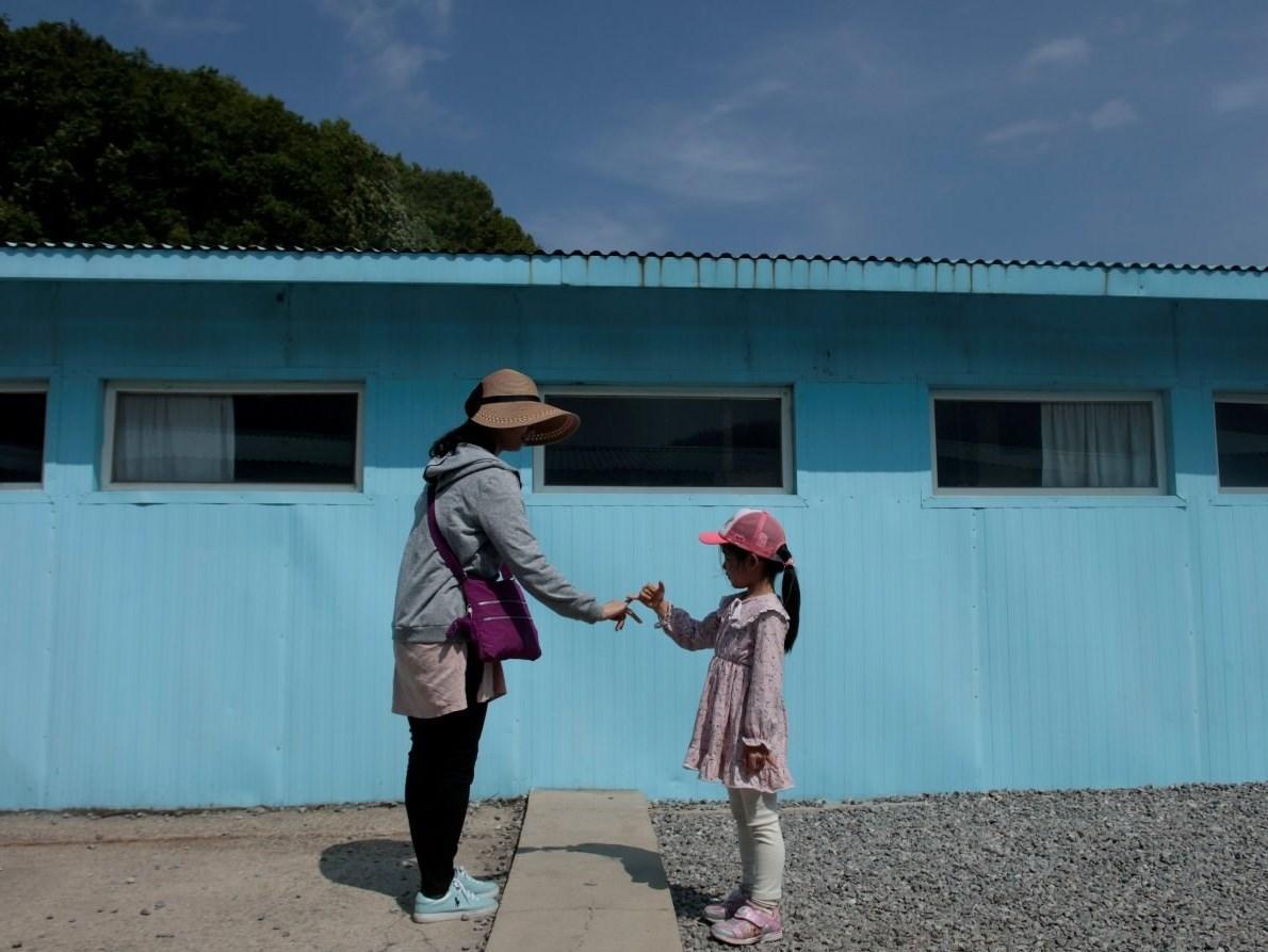 توریست ها و مرز کره شمالی و جنوبی