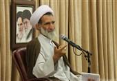 امام جمعه شهرکرد: رزمندگان 8 سال دفاع مقدس در مقابل دنیای کفر ایستادند