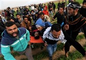 Israeli Gunfire Wounds over 28 Palestinians near Gaza Border