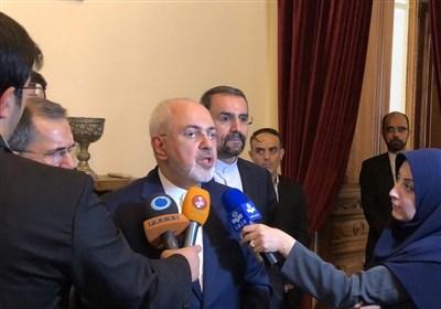 """ظریف لـ""""تسنیم"""": التفاوض مع أوروبا بشأن البرنامج الصاروخی والقضایا الاقلیمیة مجرد أکاذیب"""