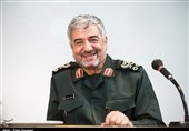Commander Thanks Iranian MPs for Supporting IRGC against US