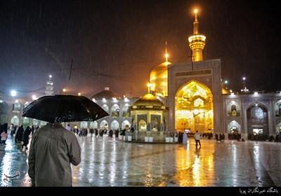 بارش باران بهاری در حرم حضرت علی ابن موسی الرضا(ع)