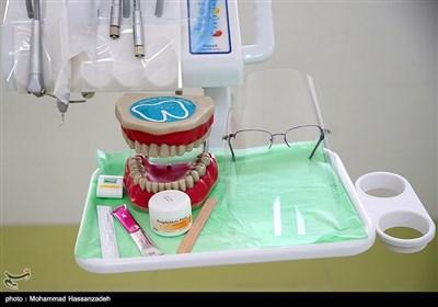 دندانپزشک قلابی در مطبش بازداشت شد